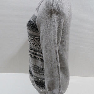 Old Navy Sweaters - Old Navy sweater Large fair isle pullover sequined